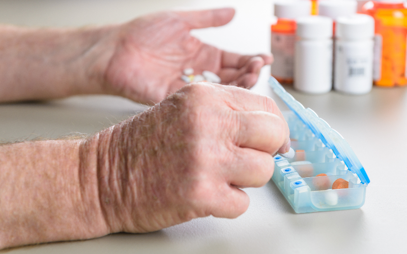 Supporting the elderly in managing their medications